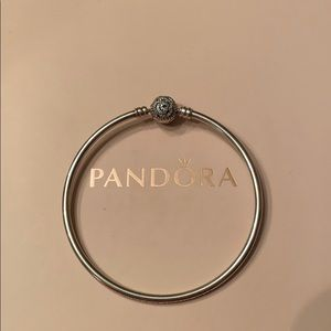 AUTHENTIC RETIRED PANDORA BEAUTY AND BEAST BANGLE